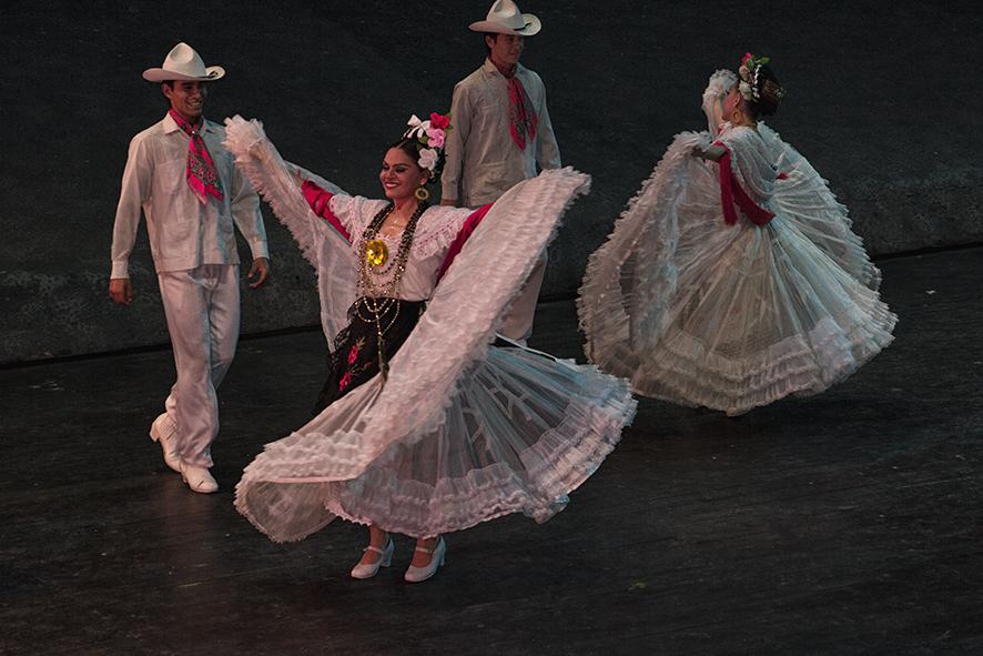 Sones Veracruzanos porBallet Folclórico de Xcaret