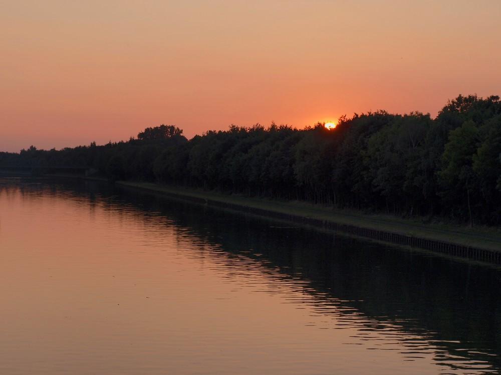 Sonne am Kanal