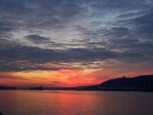 Sonne am Rhein
