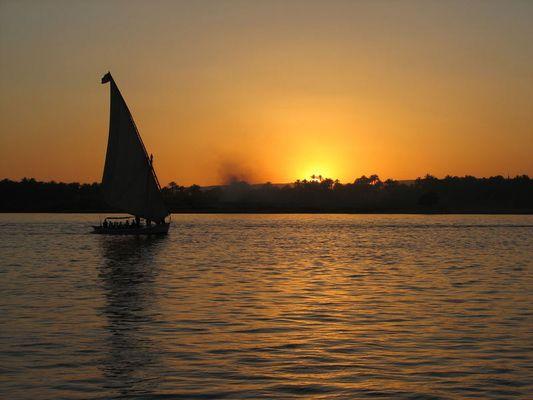 Sonne, Felukke und der Nil !