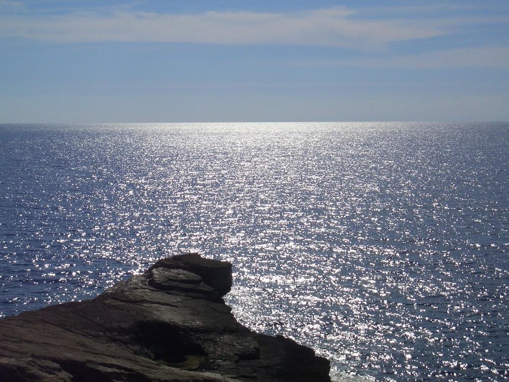 Sonne funkelt auf dem Meer