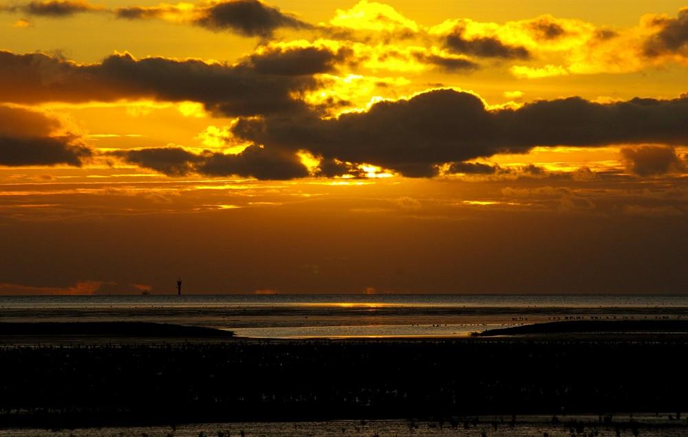 Sonne im grauen November.....Ostfriesland