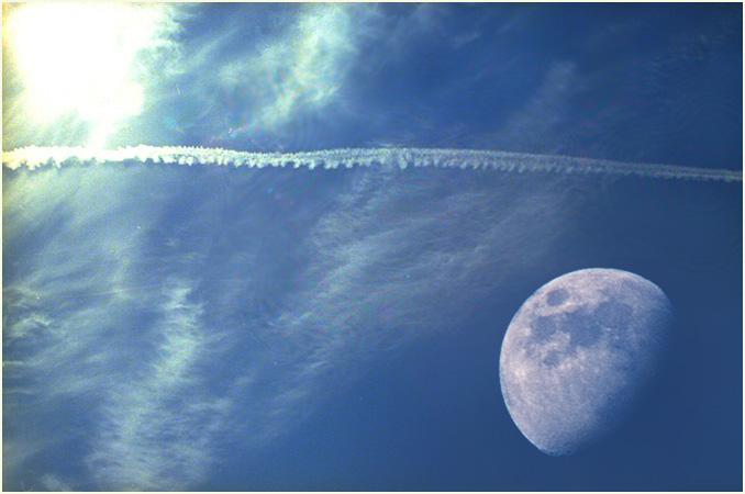 Sonne, Mond, Kondensstreifen