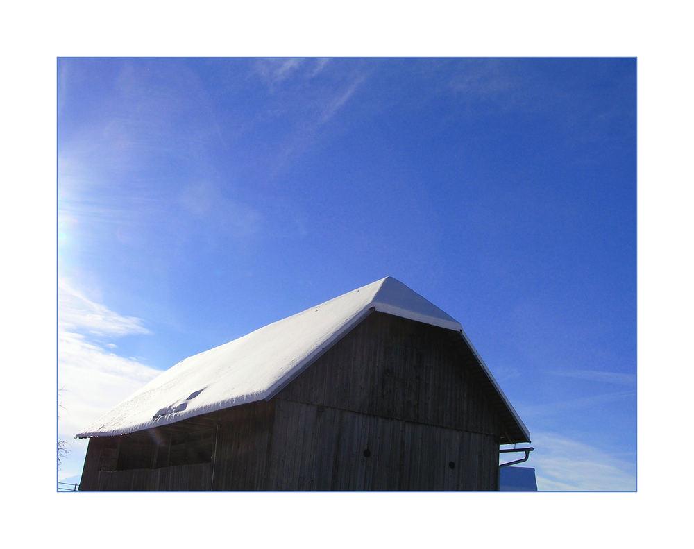 sonne, schnee und hütte