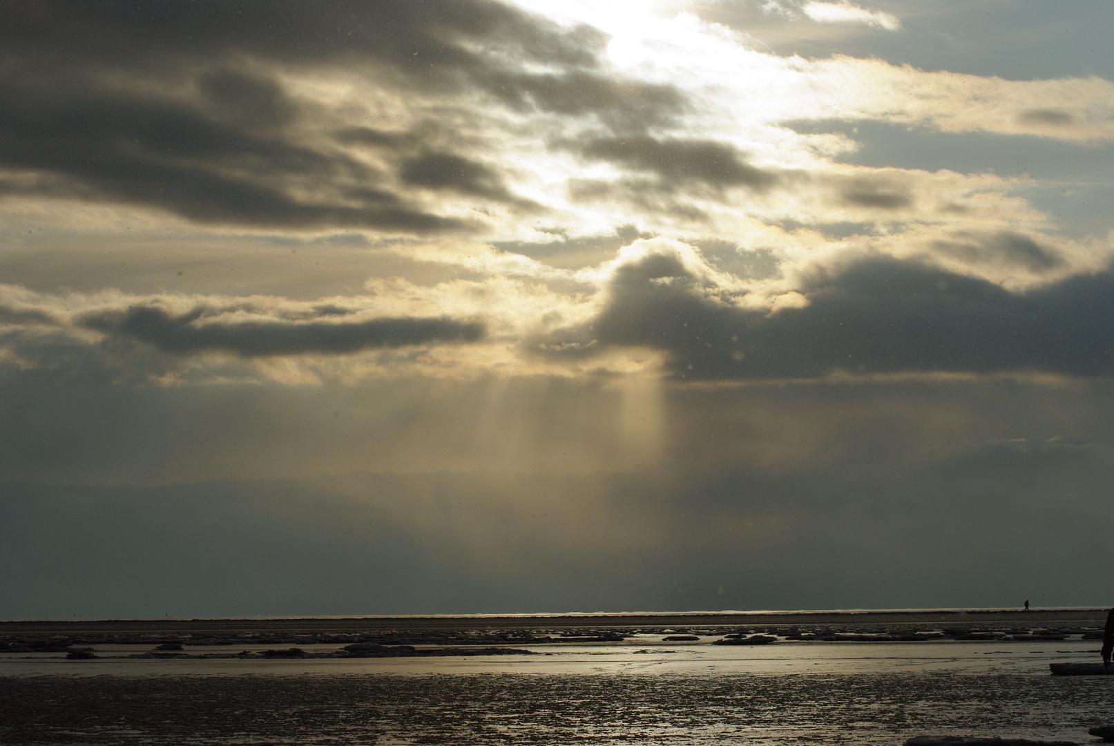 Sonne über den Eisstrand von Sankt Peter Ording