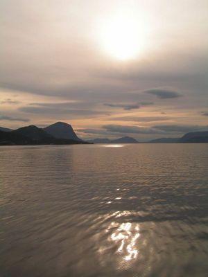 Sonne überm Fjord