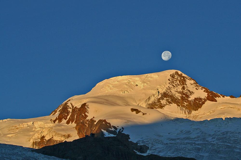 Sonne und Mond gaben alles am Feiertag der Eidgenossen und eine prächtigere Kulisse als den Alphubel