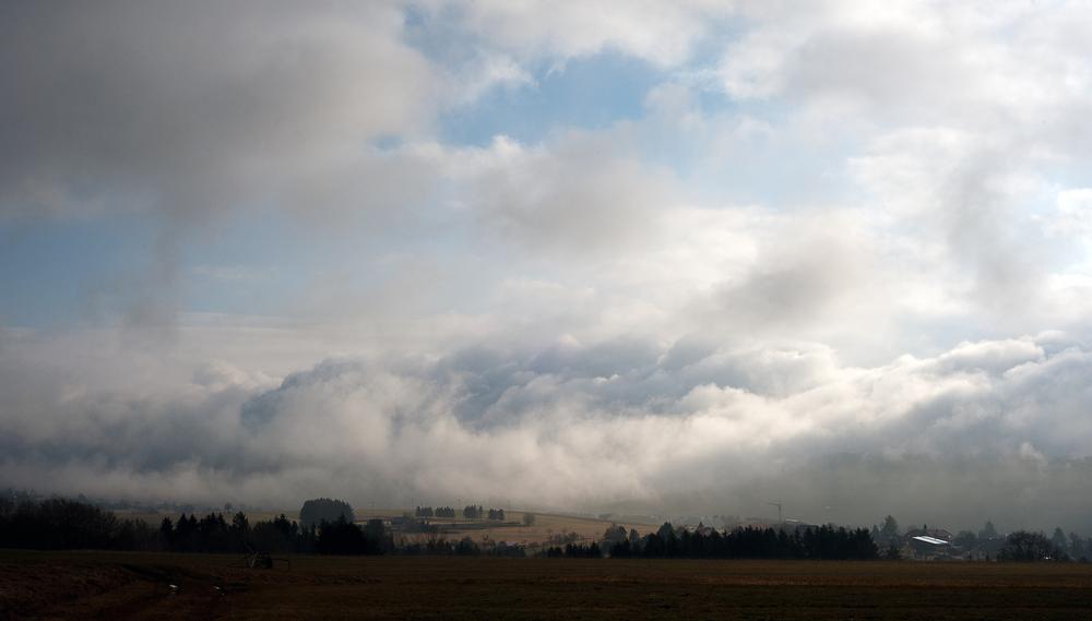 Sonne und Regen und Wolken