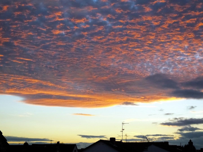 Sonne und Wolken. Bild 1