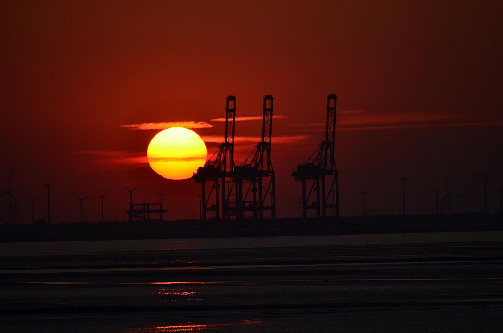 Sonne, Watt und Hafen