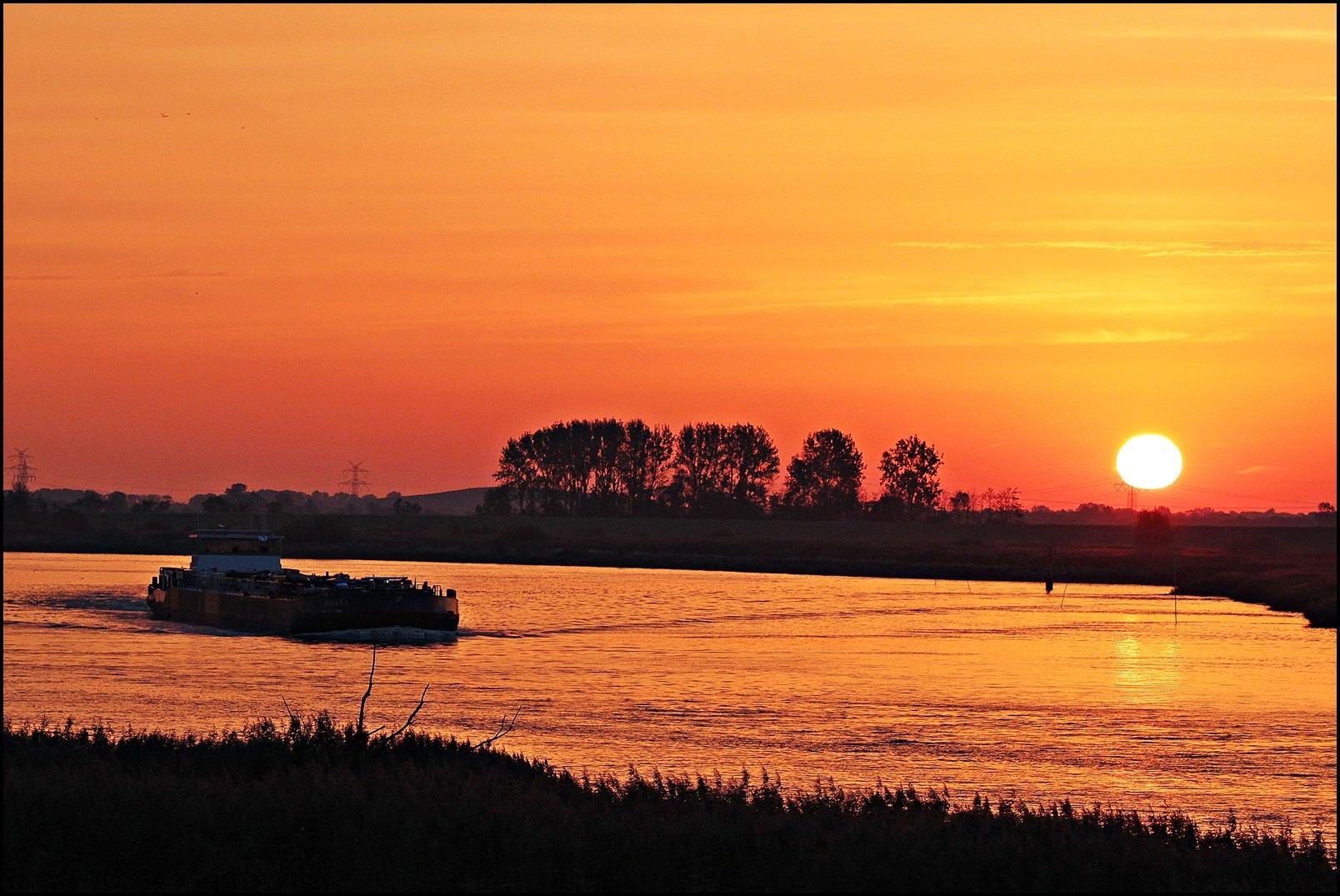 Sonneaufgang an der Ems