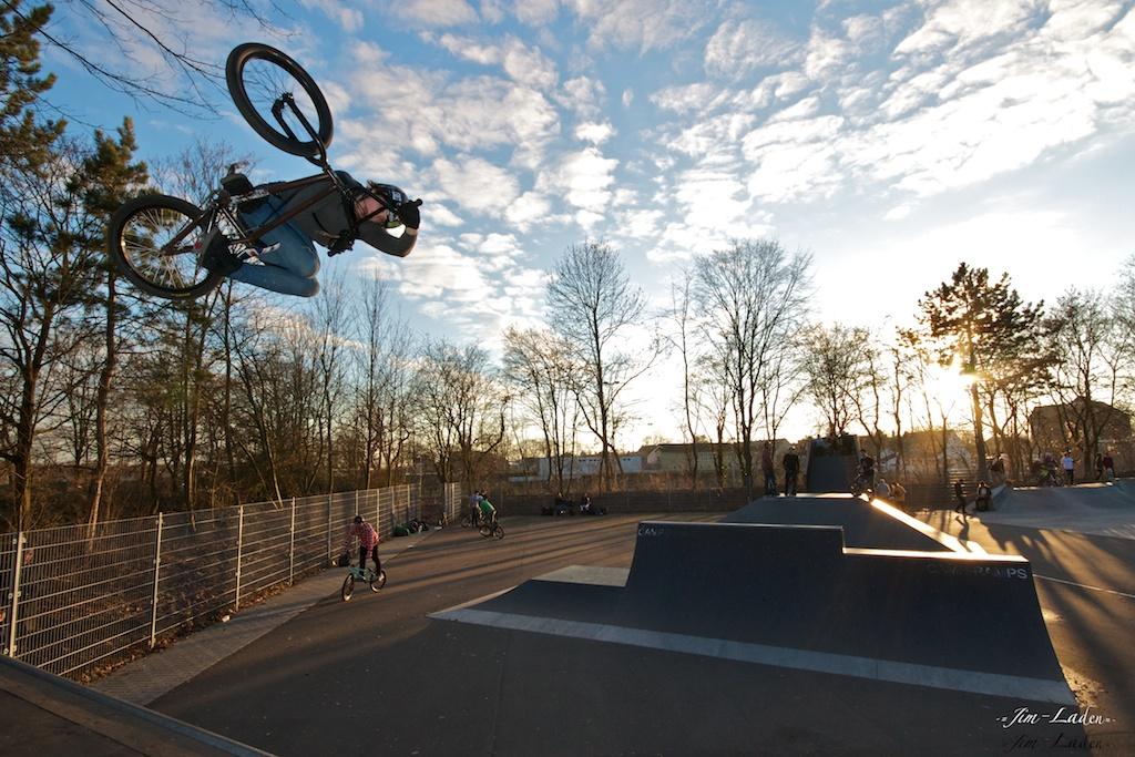 Sonnen untergang biker aufgang