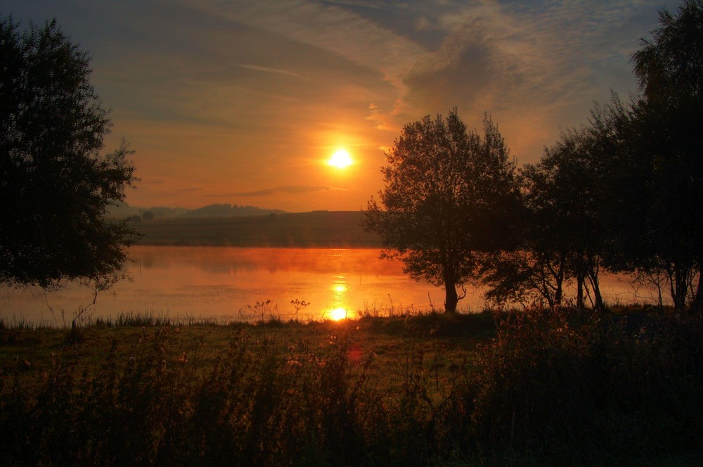 Sonnenaufgang am Aartalsee