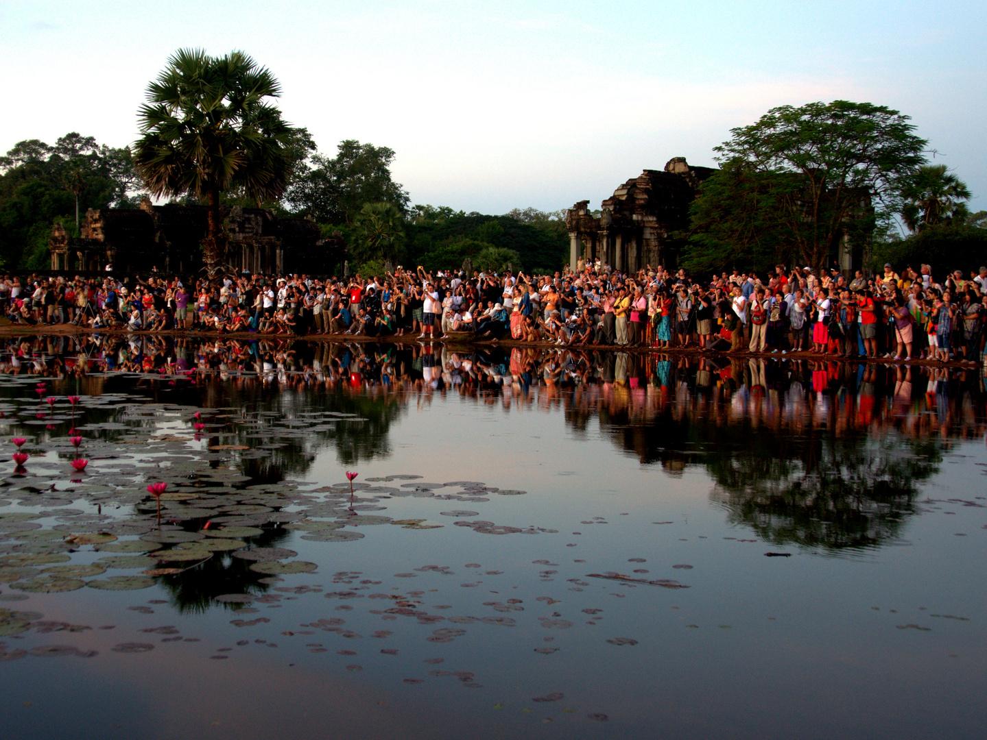 Sonnenaufgang am Angkor Wat ...