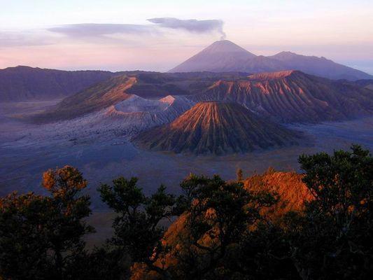 Sonnenaufgang am Bromo, Indonesien