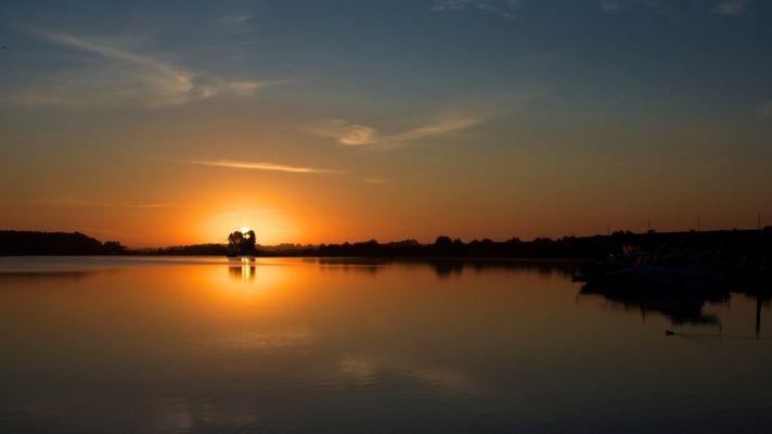 Sonnenaufgang am Fleesensee