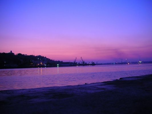 Sonnenaufgang am Hafen von Havanna