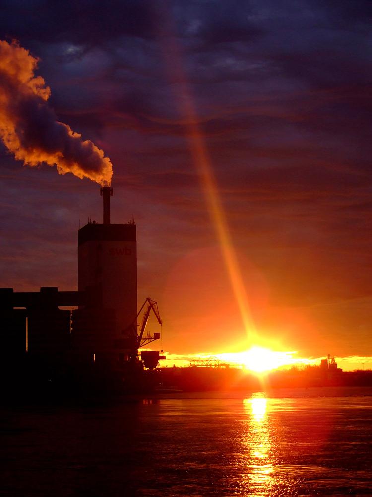 Sonnenaufgang am Hemelinger Hafen
