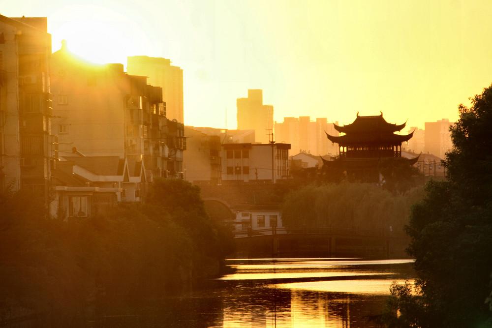 Sonnenaufgang am Kaiserkanal
