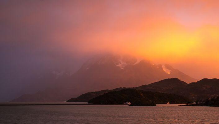 Sonnenaufgang am Lago Grey