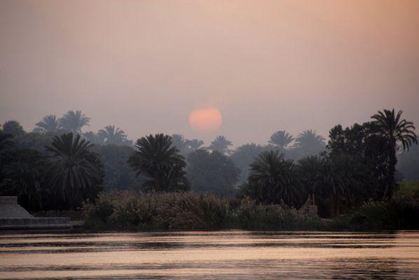 Sonnenaufgang am Nil