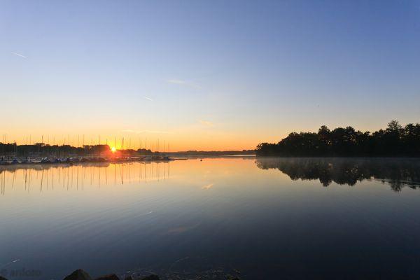 Sonnenaufgang am Unterbacher See