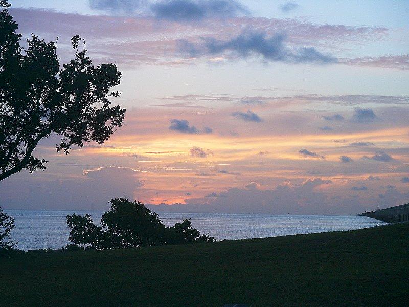 Sonnenaufgang an der 7-Meilen-Brücke in den Florida Keys