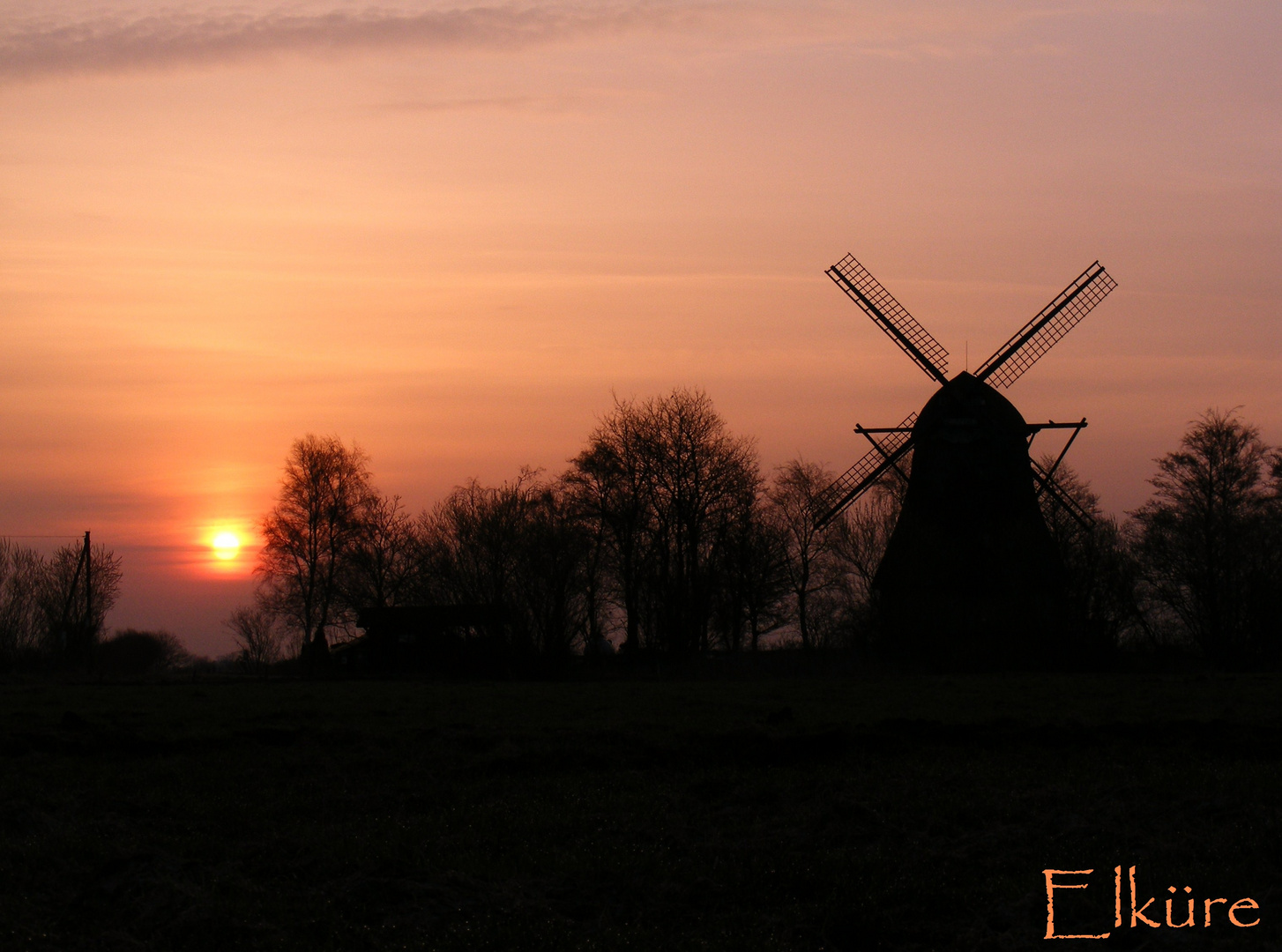 Sonnenaufgang an der alten Mühle