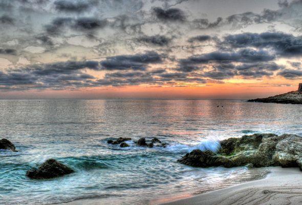 Sonnenaufgang an der Cala Gulla, Mallorca