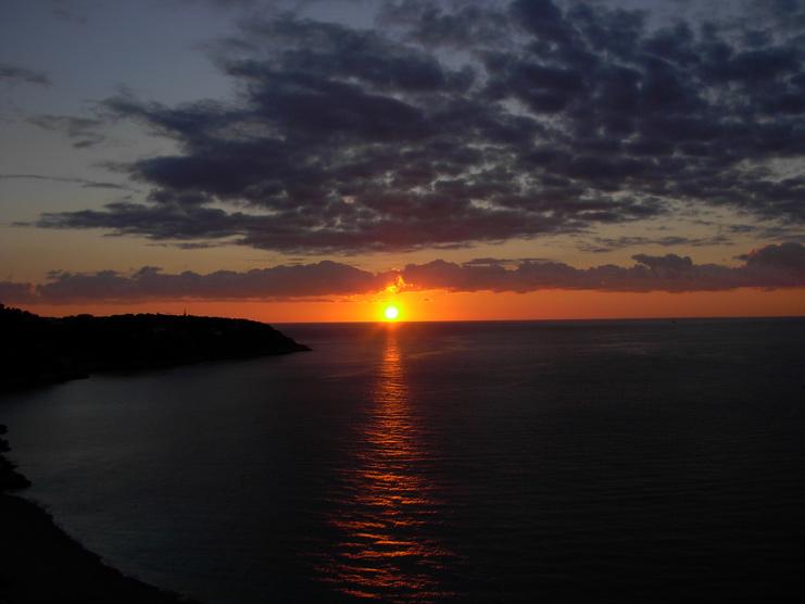 Sonnenaufgang an der Côte d'Azur 01