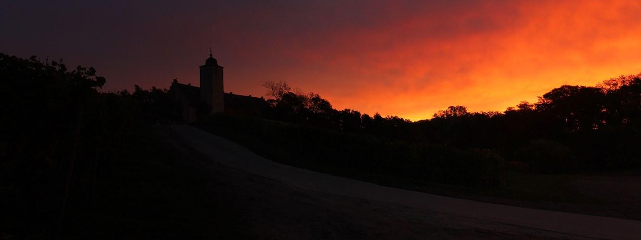 Sonnenaufgang an der Hallburg