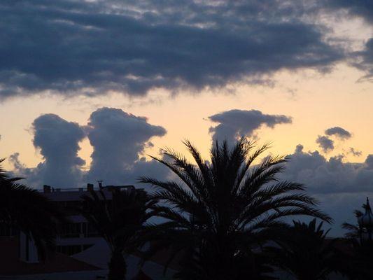 Sonnenaufgang an der Playa del Aquila
