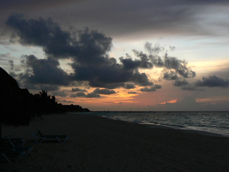 Sonnenaufgang an der Playa del Carmen (Mexico)