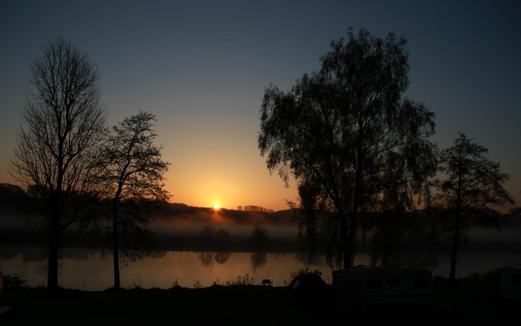 Sonnenaufgang an der Ruhr bei Mülheim