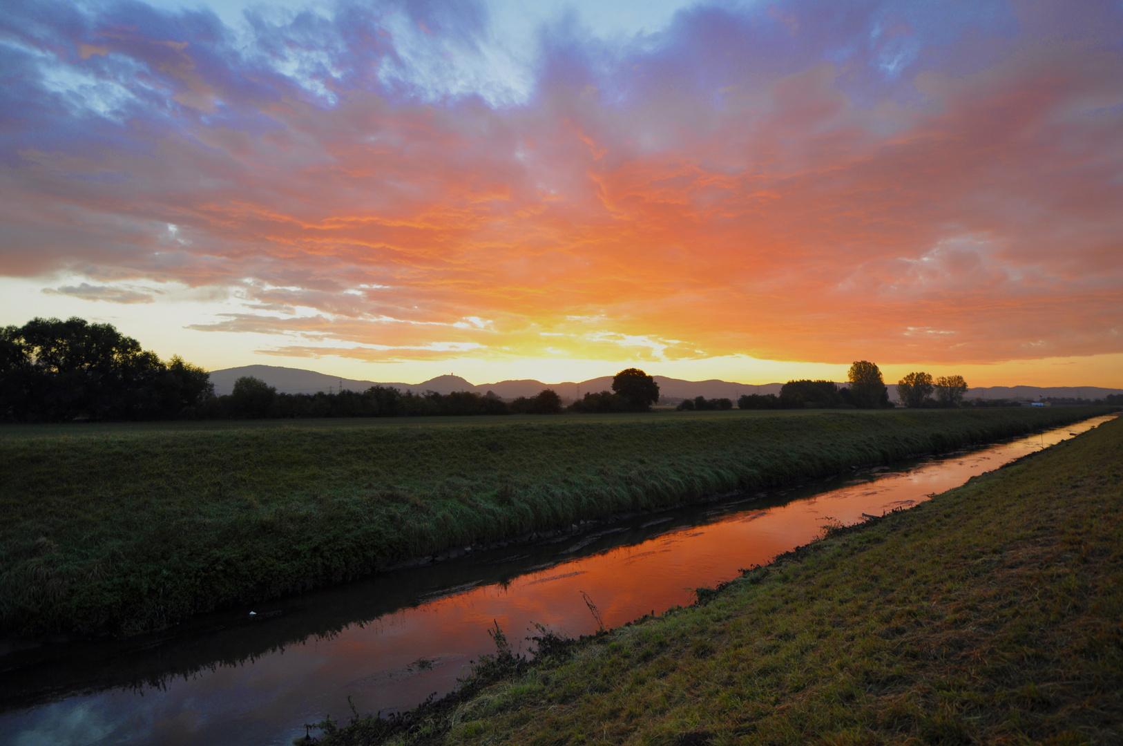 Sonnenaufgang an der Weschnitz (Lorsch / Heppenheim)