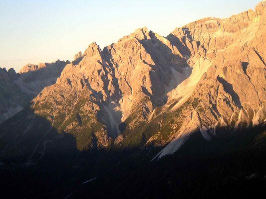 Sonnenaufgang au dem Helm Pustertal 2420 m 1. 9. 2006