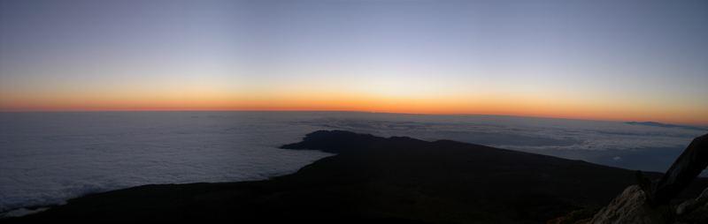 Sonnenaufgang auf dem Gipfel des Teides (3.718 m)
