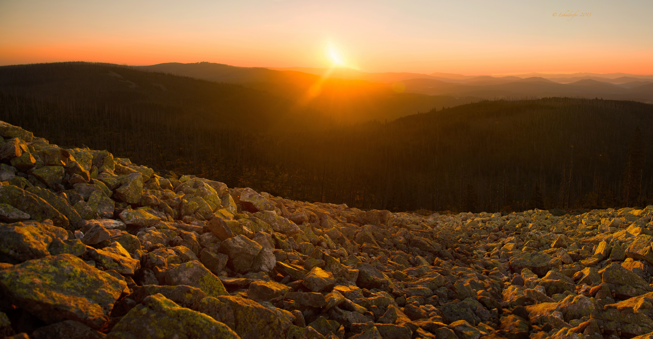 Sonnenaufgang auf dem Lusen im Bayerischen Wald