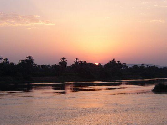 Sonnenaufgang auf dem Nil