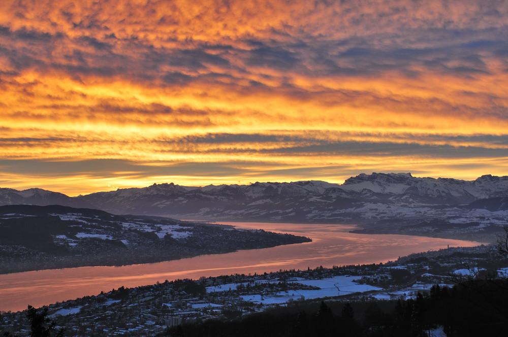 Sonnenaufgang auf dem Uetliberg (Zürcher Hausberg)