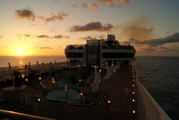 Sonnenaufgang auf der MSC Splendida