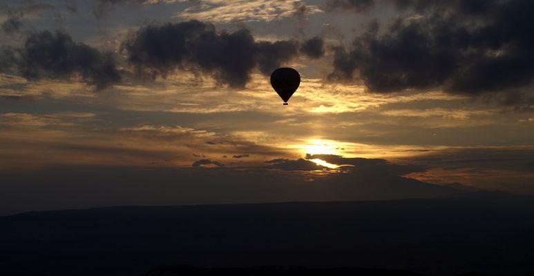 Sonnenaufgang > Ballonfahrt in Kappadokien