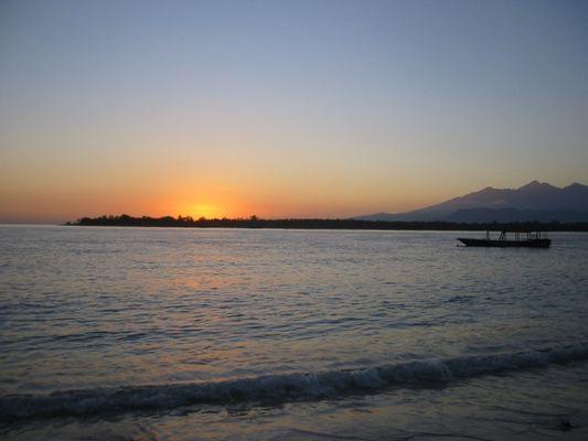 Sonnenaufgang bei den Gili Inseln