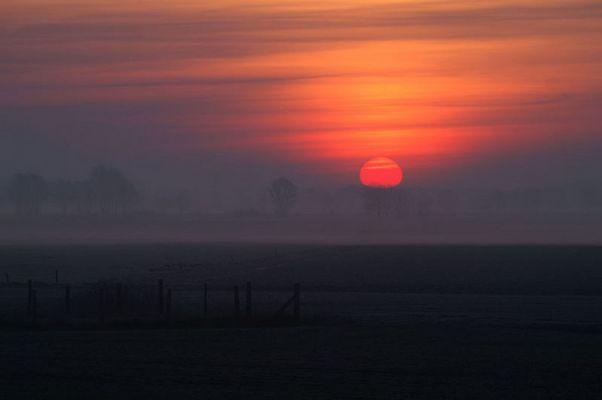 Sonnenaufgang bei leichtem Fost...