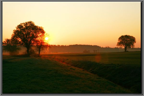 Sonnenaufgang im Dachauer Land
