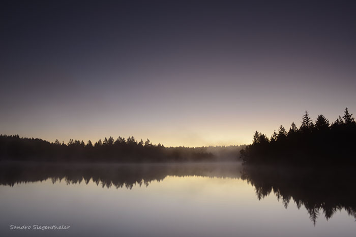 Sonnenaufgang im Etang de la Gruère