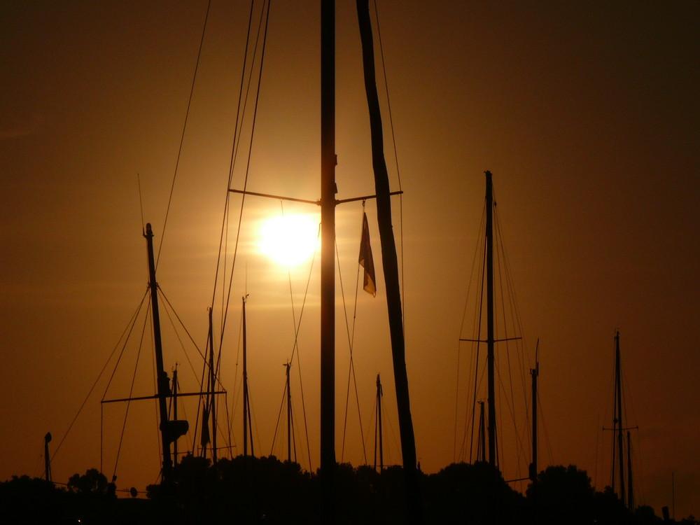 Sonnenaufgang im Jachthafen von Cala Dor!
