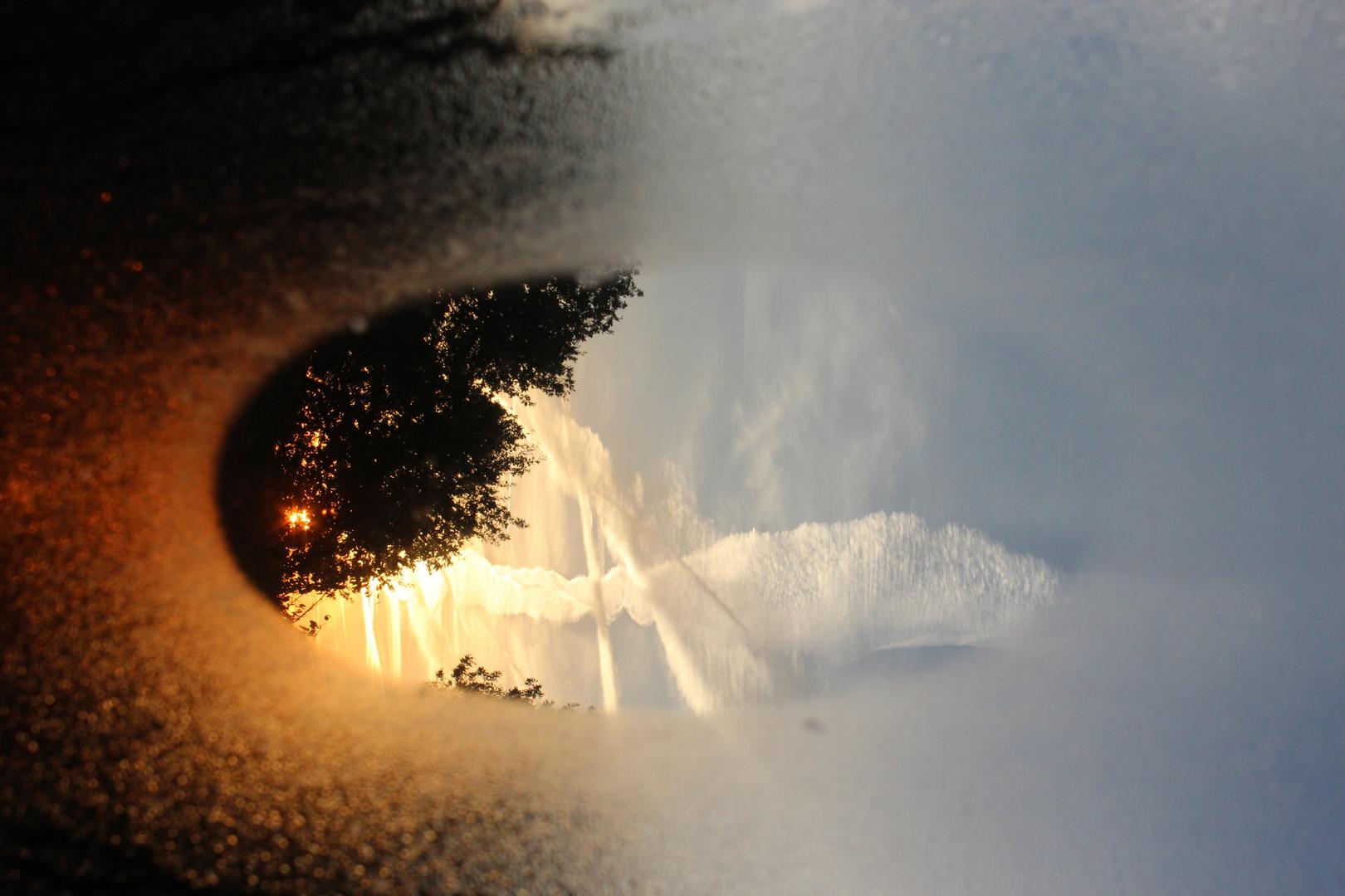 Sonnenaufgang im natürlichen Bilderrahmen
