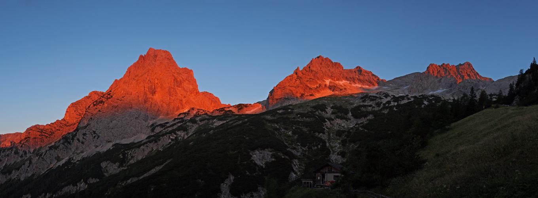 ...Sonnenaufgang im Toten Gebirge...