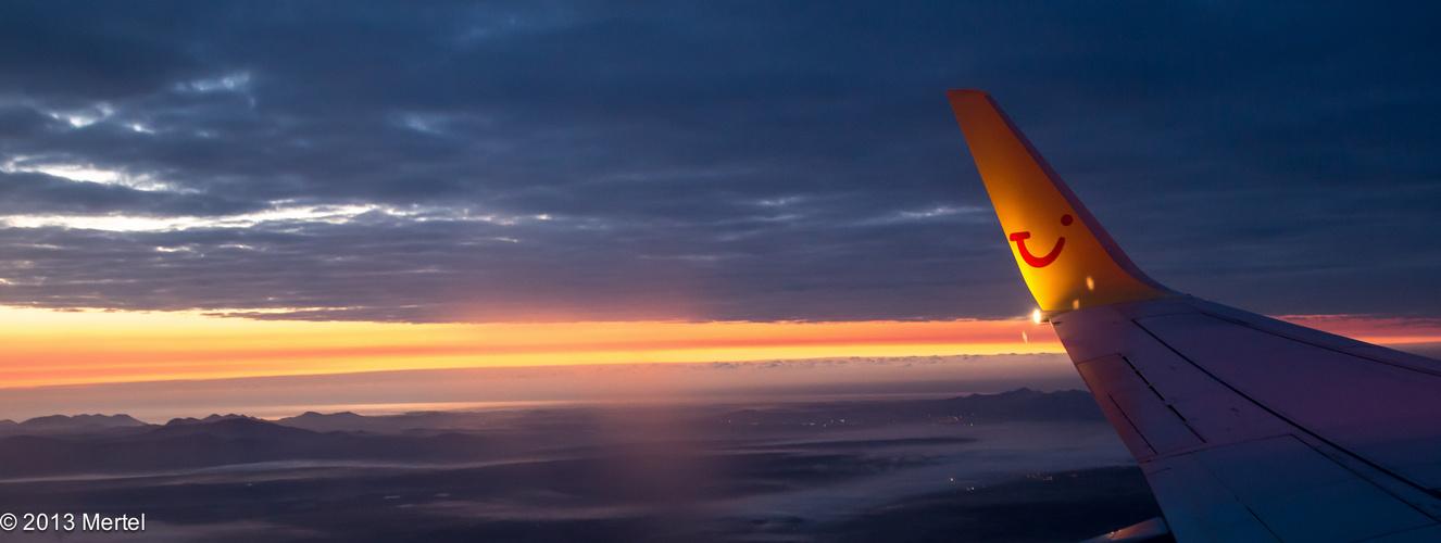 Sonnenaufgang in 10.000 Metern.......